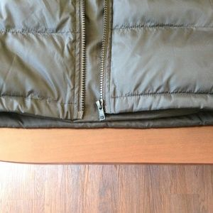 NWOT-Obey Worldwide L-Sleeves puffer Jacket-146